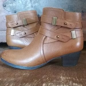 Super comphy leather ankle boots